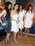 Soniya Mehra, Amisha Patel, Nishka Lulla, Manjari Phadnis at New Collection Preview The Fashion Store, Charni Road, Mumbai, 30th September, 2009