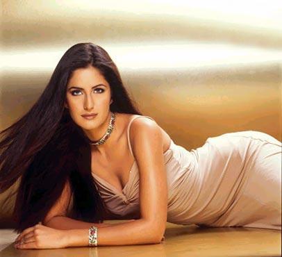 http://www.extramirchi.com/gallery//albums/bollywood/actress/katrina/Katrina_Kaif031.jpg