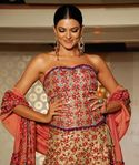 Sushmita Sen Sizzles On The Ramp