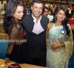 Kangana Ranaut with Madhur Bhandarkar and Priyanka Chopra at 56th National Film Awards