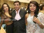Kangana Ranaut with Madhur Bhandarkar and Priyanka Chopra at 56th National Film Awards (1)