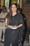 Sexy tabu at the Filmfare Awards 2010 (2)