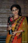 Vidya balan at the Filmfare Awards (1)