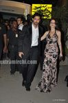 hrithik with wife sazan at the Filmfare Awards 2010 (1)