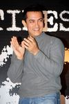 Aamir, Asin, Jiah and A.R. Murugadoss celebrated Ghajini crossing Rs 200 crore mark