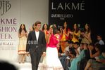 Hot Models at Vijay Balhara s Fashion show at Lakme India Fashion Week (1)