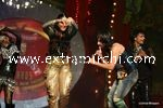 kareena kapoor and saif ali khan performing  at Stardust Awards (2)