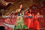 kareena kapoor performing at Stardust Awards (5)
