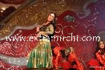 kareena kapoor performing at Stardust Awards (6)