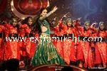 kareena kapoor performing at Stardust Awards (7)