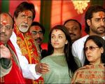 Aishwarya Rai Abhishek Bachan Wedding Photos,who got married on 20th April 2007 (6)