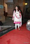 Karishma Kapoor at DR PK Aggarwal s daughter s wedding (2)