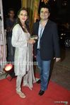 sonali bendre with goldie behl at wedding of Mushtaq Sheikh sister Najma (1)