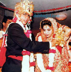 Shahrukh Khan and Gauri Khan wedding pictures (1)