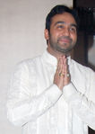 Raj Kundra at Shilpa Shetty engagement with Raj Kundra, Raj Kundra home, Juhu, Mumbai, 24th October, 2009 (1)