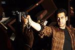 Salman Khan and Ayesha Takia Azmi in WANTED bollywood movie
