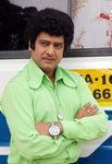 Comedian Vivek in MGR getup in Vaada movie