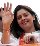 Nagma waves to crowd