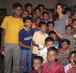 Namitha meets Kids at Children welfare association (1)