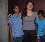 Namitha meets Kids at Children welfare association (3)
