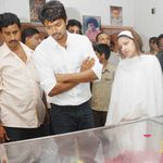 Vijay paid Tributes to actor Raghuvaran, dead at 59