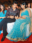 Sarath kumar with his daughter Varalakshmi at Filmfare Awards 2008 Function
