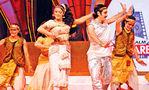 Shobhana and Vineeth at Filmfare Awards 2008 Function