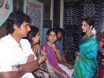 Actress Sangeeta married singer Krish - Sangeeta entered into wedlock with Krish on 1st February 2009 at Thiruvannamalai temple.