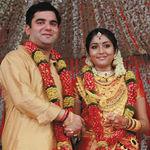 Malyalam actress Navya Nair and Santhosh Menon wedding photos (3)