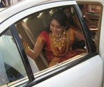 Navya Nair arriving for wedding at Alleppy district of Kerela (1)
