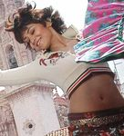 Shriya salsa song dance in Kanthaswamy Movie Photo