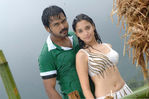 Tamanna and Karthi in Paiya (3)