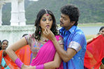 Vijay and Anushka Shetty in Vettaikaran Movie (1)