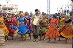 Vijay and Anushka Shetty in Vettaikaran Movie (2)