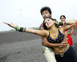 Vijay and Anushka Shetty in Vettaikaran Movie (22)