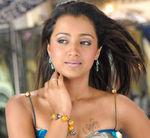 Trisha Krishnan in Kuruvi