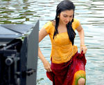 Tamanna at Padikkathavan Shooting spot