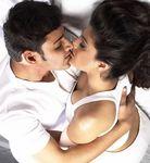 Amisha Patel kissed by Mahesh Baabu