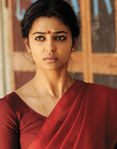 Radhika Apte (2)
