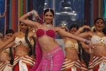 onstage - Deepika Padukone filmfare awards 08