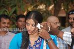 Actress Priyamani Birthday celebration on the sets of RaktaCharitra (12)