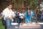 Actress Priyamani Birthday celebration on the sets of RaktaCharitra (3)