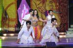 Mallaika Arora Khan performs with Jai soni   Krishna at Star parivaar awards 2010