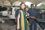 Aishwarya Rai Return to Mumbai After Raavan Promotions in Hyderabad (3)