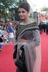 Aishwarya Rai Bachchan at Raavan premiere in London (2)