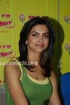 Deepika promote KCK on Radio Mirchi (3)