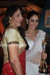 Genelia at  the CNBC Awaaz Consumer Awards 2010 (11)
