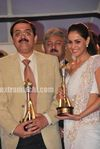 Genelia at  the CNBC Awaaz Consumer Awards 2010 (8)