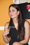 Hot Kareena Kapoor at 3 Idiots book launch (2)