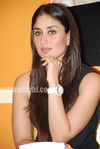 Hot Kareena Kapoor at 3 Idiots book launch (3)